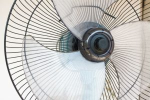 How to Cool a Room with a Fan and Ice: DIY A/C Tips for Summer